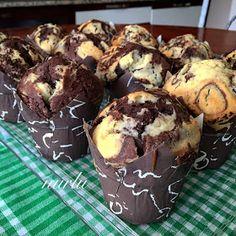 NURLUMUTFAKTA !!!: PUDDİNGLİ ALACA MUFFİN Cheesecake Brownie, Cheesecake Cupcakes, Cupcake Recipes, Dessert Recipes, Desserts, Recipe Mix, Turkish Recipes, Cupcake Cookies, Cakes And More