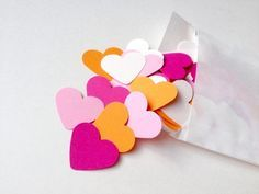 100 Herzen zum Streuen auf der Hochzeit / heart shaped konfetti, romantic wedding decoration by EmbossingBird via DaWanda.com