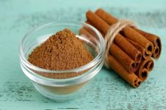 Tasty and healthy - a little pinch does a lot of good! Add a little spice to your dog's life with our list of spices and herbs that are good for your dog. Boku Superfood, List Of Spices, Cinnamon Health Benefits, Superfood Supplements, Dog Food Recipes, Healthy Recipes, Dog Health Tips, Food Substitutions, Dog Diet
