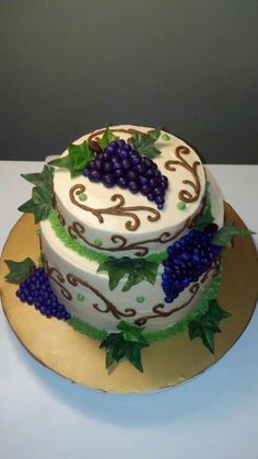 Vintage Grapes Cake
