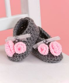cute baby girl crochet flats with pink flowers!