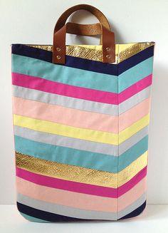 FABULOUS Chevron Tote Bag tutorial by Mandy Pellegrin of Fabric Paper Glue.