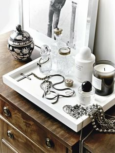 Dressing-table tidy