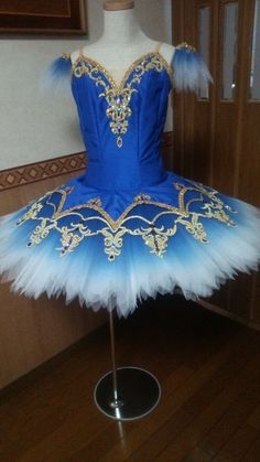 Ballet costumes to add to play. Tutu Costumes, Ballet Costumes, Cool Costumes, Amazing Costumes, Professional Costumes, Ballerina Costume, Blue Tutu, Girls Dresses, Flower Girl Dresses