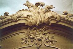 Sculpture ornementale haute relief ornementation de style grinling gibbons sculpté décoration boiseries trophées ornemaniste Patrick Damiaens