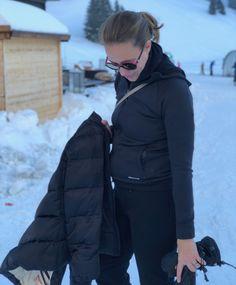 minibag the crossbodywallet Clutch, Elegant, Mini Bag, Winter Jackets, Fashion, Handbags, Classy, Winter Coats, Moda