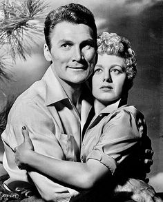 Shelley Winters and Jack Palance in I Died a Thousand Times in 1955 Hollywood Walk Of Fame, Hollywood Couples, Hollywood Cinema, Old Hollywood Stars, Hollywood Actresses, Classic Hollywood, Carlito's Way, Jack Warner, Jack Palance