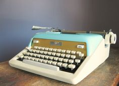 Vintage 1950s Royal Aristocrat Manual Typewriter $145