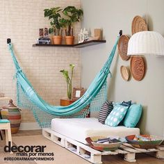 The hammock really throws off the energy of the room which unfortunately spoils the proportionality and functionality. It's hard to tell if the hammock would even fit a full sized person. It also shrinks the cushion on the pallets. Decor, Room Design, Balcony Decor, Interior, Home N Decor, Home Decor, Home Deco, Bedroom Decor, Interior Design