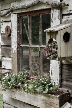 Quaint Rustic Garden Shed - Rocky Hedge Farm Small rustic garden shed decor with wooden window box Rustic Shed, Rustic Garden Decor, Rustic Gardens, Farm Gardens, Outdoor Gardens, Modern Gardens, Small Gardens, Raised Gardens, Vintage Garden Decor