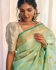 Blouse Designs High Neck, Silk Saree Blouse Designs, Saree Blouse Patterns, Fancy Blouse Designs, Designer Blouse Patterns, Designs For Dresses, Latest Blouse Designs, Lehenga Designs, Mehndi Designs