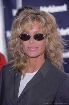 Vintage Farrah Fawcett S Short Layered Hairstyle Do S