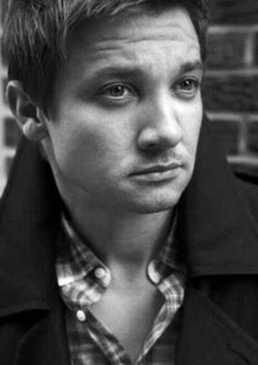 Jeremy Renner (Hawkeye) from The Avengers.He also played Brian Gamble in S.W.A.T.