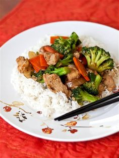 Chicken & Broccoli Stir-Fry.......Pieces of tender chicken, and plenty of broccoli that still has a bite to it. I also had some carrots to use up, so I threw that in too.