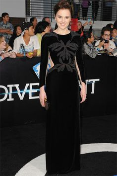 Veronica Roth - author of Divergent. Her dress is so simple...yet eloquent.  #TopshopPromQueen