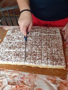 Hungarian Desserts, Hungarian Cake, Hungarian Recipes, Garlic Bread, Winter Food, Raw Vegan, Butcher Block Cutting Board, Biscuits, Recipies