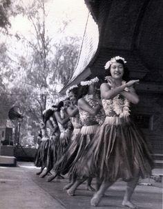 Na Hula Festival, Kapiolani Park 1953 - (From vic/Flickr)
