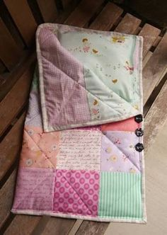Fabric Mutt: Sewing for Dolly Doll Sleeping Bag and Pillow Baby Sewing Projects, Sewing For Kids, Sewing Ideas, Baby Set, American Girl Catalog, Dolly Doll, Best Baby Gifts, Doll Quilt, Baby Crafts