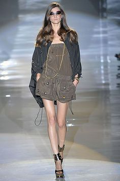 Gucci Spring 2009 Ready-to-Wear Collection Slideshow on Style.com