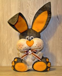 Coniglietto in feltro morbido di AlkimyaJewelryBags su Etsy
