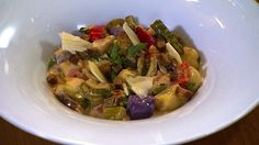 Nhoque de batata baroa e batata roxa com legumes - Receitas - GNT