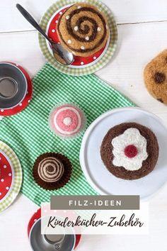 Filz Ideen: Kinderküche Zubehör selber machen ist auch als Filzen Anfänger DIY geeignet. Wer Kaufladen Zubehör filzen möchte, findet hier eine Filzen Anleitung sowie Ideen. Filzen kann unheimlich kreativ sein.