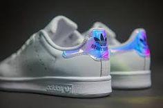 Znalezione obrazy dla zapytania adidas stan smith hologram