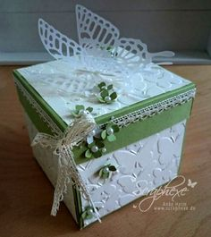 Explosion Box, Hochzeit, scraphexe Card In A Box, Gift Card Boxes, Pop Up Box Cards, Diy Crafts For Girls, Diy And Crafts, Paper Crafts, Scrapbook Box, Scrapbooking, Exploding Box Card