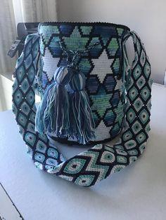 Tapestry Bag, Tapestry Crochet, Filet Crochet, Knit Crochet, Crochet Handbags, Pretty Patterns, Clutch, Knitted Bags, Crochet Accessories