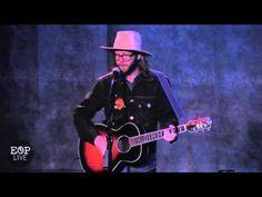 "Aaron Lee Tasjan ""E.N.S.A.A.T. (East Nashville Song About A Train)"" @ Ed..."