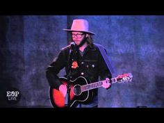 "Aaron Lee Tasjan ""E.N.S.A.A.T. (East Nashville Song About A Train)"" @ Ed..."