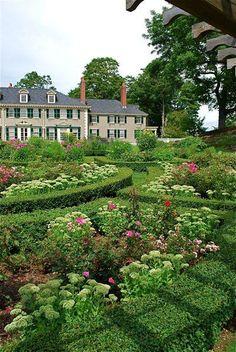 Hildene House in Vermont - Boxwood Gardens