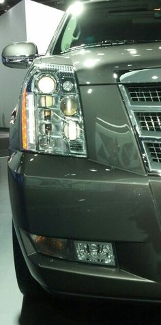 2013 Cadillac Escalade Headlight