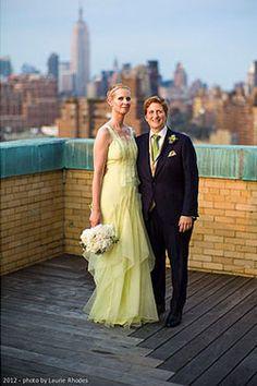 Cynthia Nixon got married this weekend to her longtime girlfriend / partner Christine Marinoni. Cynthia wore a Carolina Herrera wedding dress.