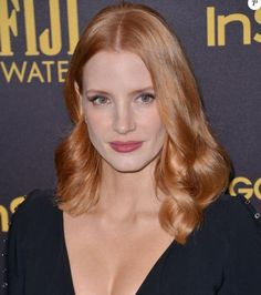 Jessica Chastain - Celebrity Red Hairstyles and Red Hair Colors. Best hair ideas, latest hair trends and hottest hair designs for women at Burbeauty. Jessica Chastain, Hair Color For Women, Red Hair Color, Celebrity Hairstyles, Cool Hairstyles, Woman Hairstyles, Hairstyle Ideas, Hair Ideas, Red Hair Inspiration