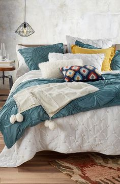 Swooning over this vintage-chic bedroom look that is both comfy and cute! On the Nordstrom Anniversary Sale.