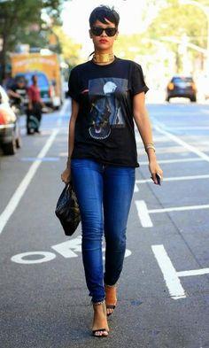 Look: Rihanna Jeans + Tee