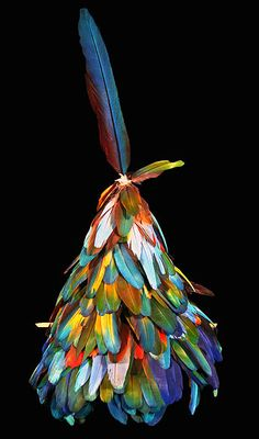 Gorro etnia Kayapó-Mekrãgnoti - MT e PA MAI Museu de Arte Indígena | Plumária