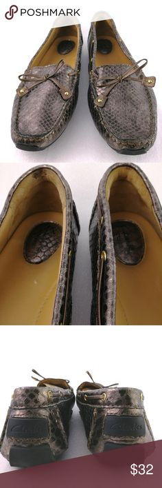 10M Flat Driving Moc Loafers Snake Print Clarks For sale is a pair of loafers from Clarks Artisan in a snake print design.   Size: 10M  I will ship your shoes within 24 hours  Thank you Clarks Shoes Flats & Loafers