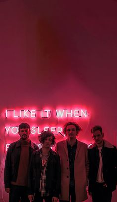 Trendy Music Indie Bands The 1975 The 1975 Wallpaper, Iphone Wallpaper, Matty 1975, Matthew Healy, Foster The People, Imagine Dragons, Animal Quotes, Cool Bands, Music Artists