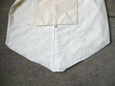 How to make a simple garment bag. very good pictorial step-by-step instructions!