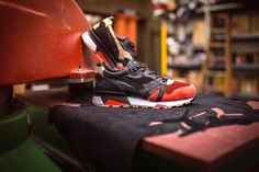 LimitEDitions x Diadora N9000 'Correfocs' (Release) - Sneakers Magazine Saucony Shadow, Lace Bag, Cotton Bandanas, Sneaker Magazine, Shoe Organizer, Custom Shoes, Me Too Shoes, Two By Two, Pairs