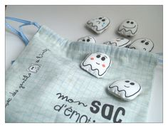 A bag of emotions . Diy Couture, Coin Purse, Creations, Blog, Education, Pista, Crafts, Funny, Parents