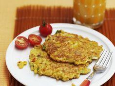 Probieren Sie die leckeren Maisküchlein von EAT SMARTER oder eines unserer anderen gesunden Rezepte!