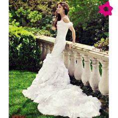 Ralph Lauren cria vestido de noiva para a filha