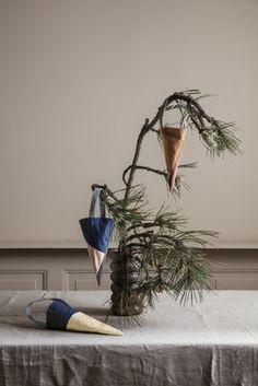 Décoration de Noël / Set 3 cônes à suspendre - Tissu - Ferm Living