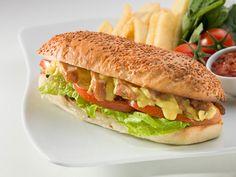 Muhteşem kıtır tavuklu ve soslu tavuk sandviçimizi denediniz mi? #dilekpastanesi #tuzla #subesi #dilek #pastane #yiyecek #tavuk #tavuklusandviç #sandeviç #sandwich #patates #sos
