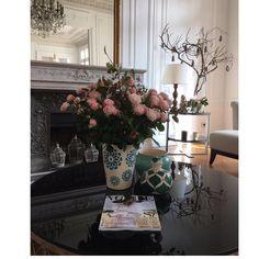"""433 Likes, 18 Comments - Leticia y Patricia Salinero (@click10fotografia) on Instagram: """"Desde París con el nuevo #voguenovias . ¿ Que más se puede pedir ? Mil gracias @voguespain por…"""""""