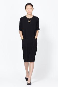 Raquel Allegra Stone Crepe Shift Dress (Black)