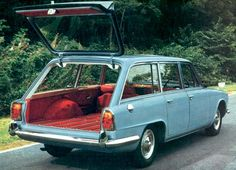 In 1965 Triumph announced the MkI version of the 2000 Estate Car. Saloon bodies were shipped the short distance from Canley to the Carbodies plant in Holyhead Road for the estate conversion to be carried out